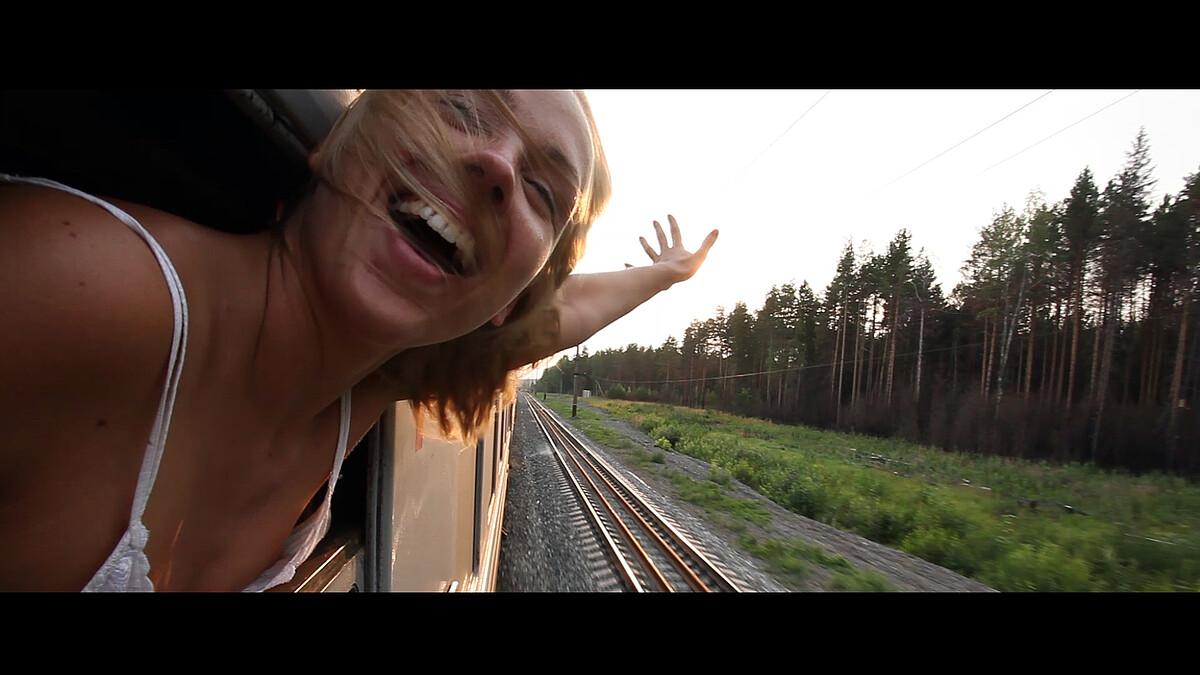 D2: VLAKEM AŽ NA KONEC SVĚTA / NISA FILM FESTIVAL 2021 - film Kino VARŠAVA